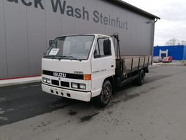 platform vrachtwagen Isuzu NKR 3.6 - 7.500kg 1991