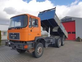 kipper vrachtwagen > 7.5 t MAN 33.292 DFAK 6x6 tipper 1991
