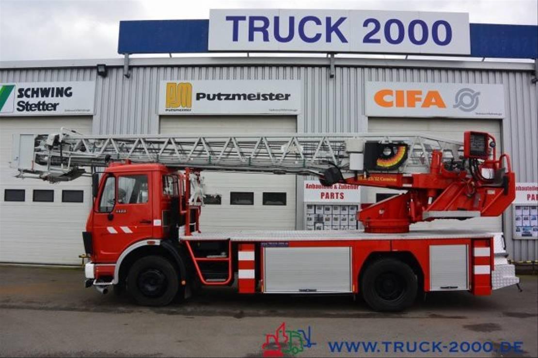 autohoogwerker vrachtwagen Mercedes-Benz 1422 NG Ziegler Feuerwehr Leiter 30m Rettungkorb 1991