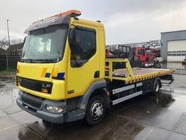 autotransporter vrachtwagen DAF LF 45.180 MANUAL EURO 3 + FALKOM LADER MET LEPEL 2003