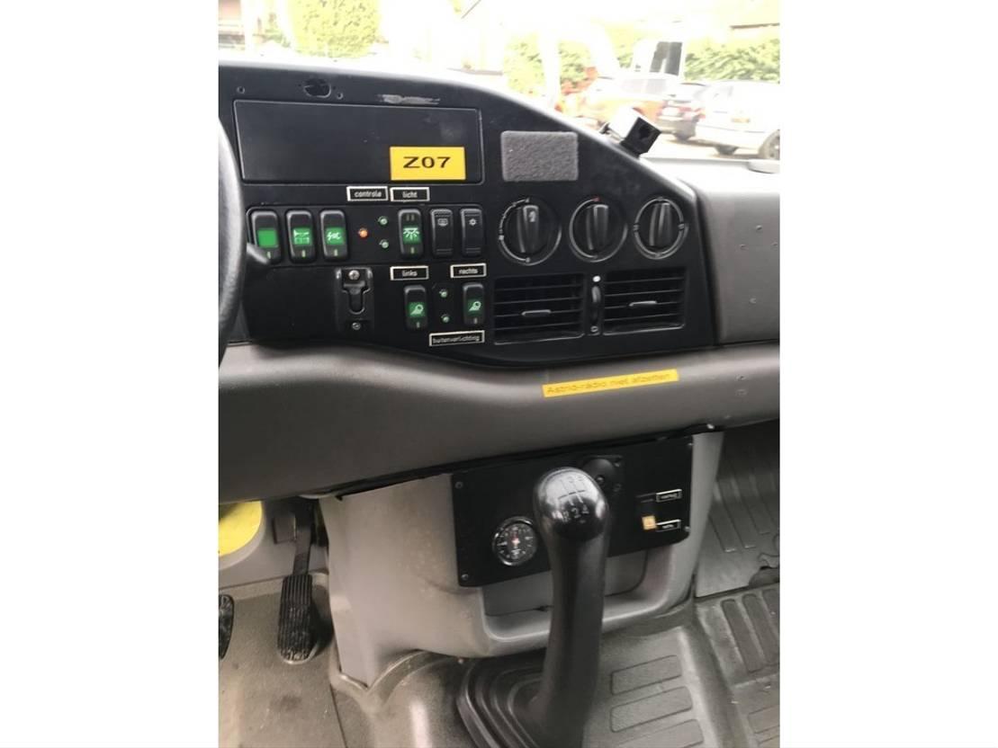 ambulance bedrijfswagen Volkswagen LT35 2.8 **AMBULANCE** 2005