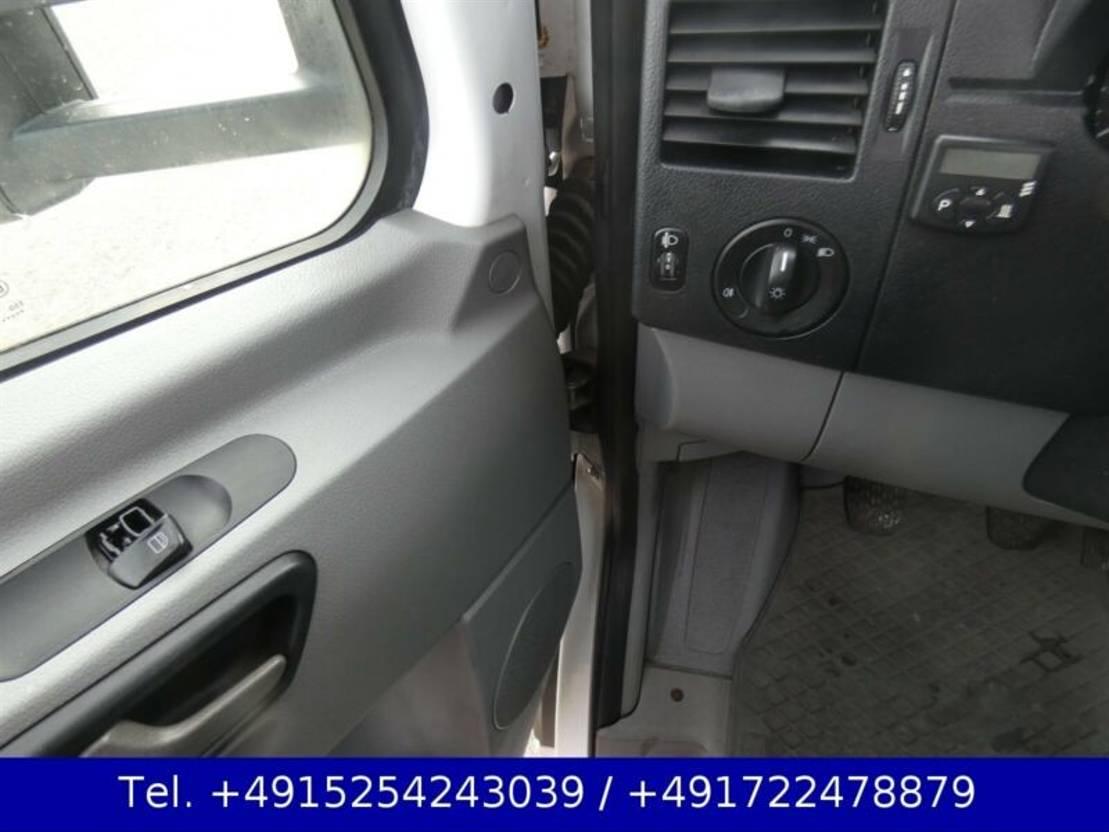 takelwagen bedrijfswagen Mercedes Benz Sprinter 518 CDI Abschleppwagen Klima Schlafkab.