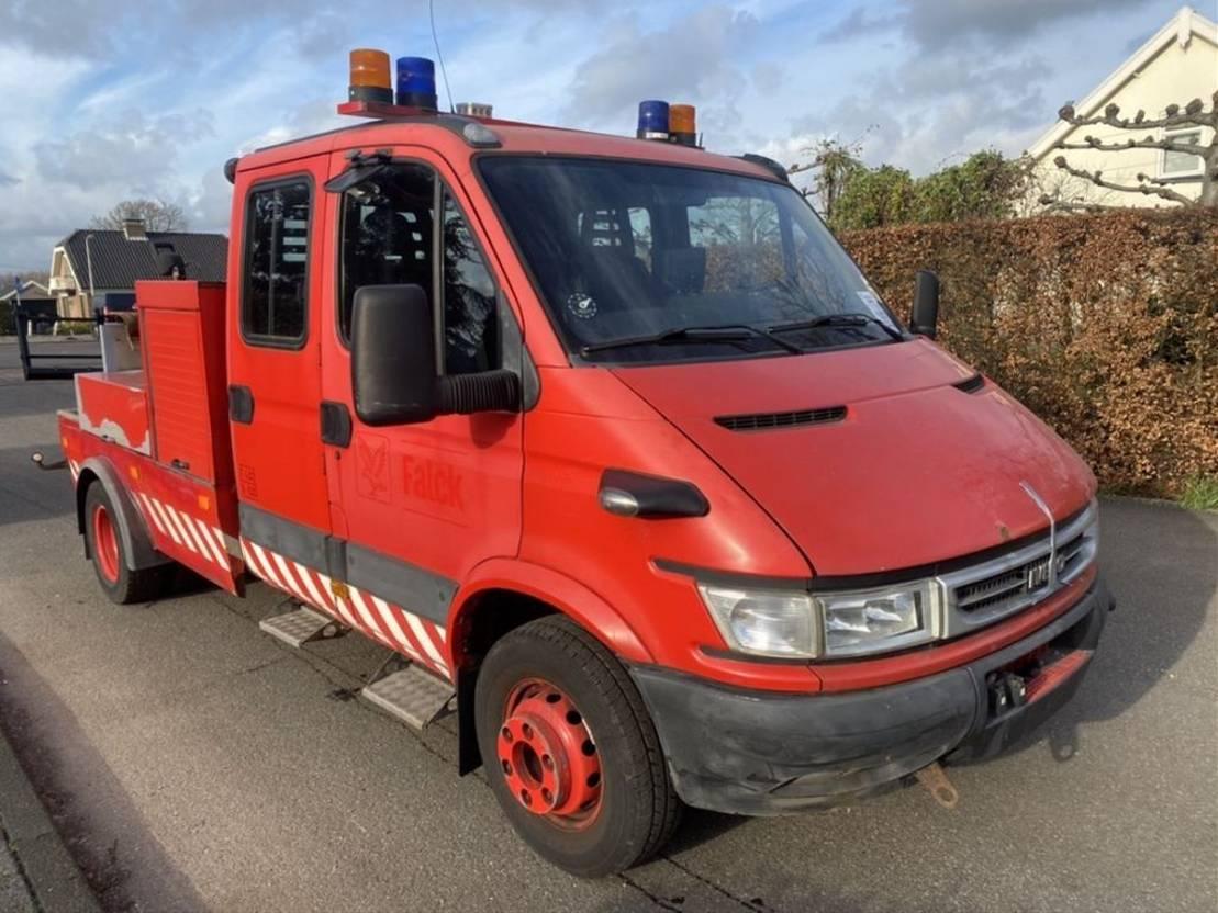 takelwagen bedrijfswagen Renault 65C17 2005
