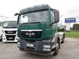 chassis cabine vrachtwagen MAN TGS 6x2 2011