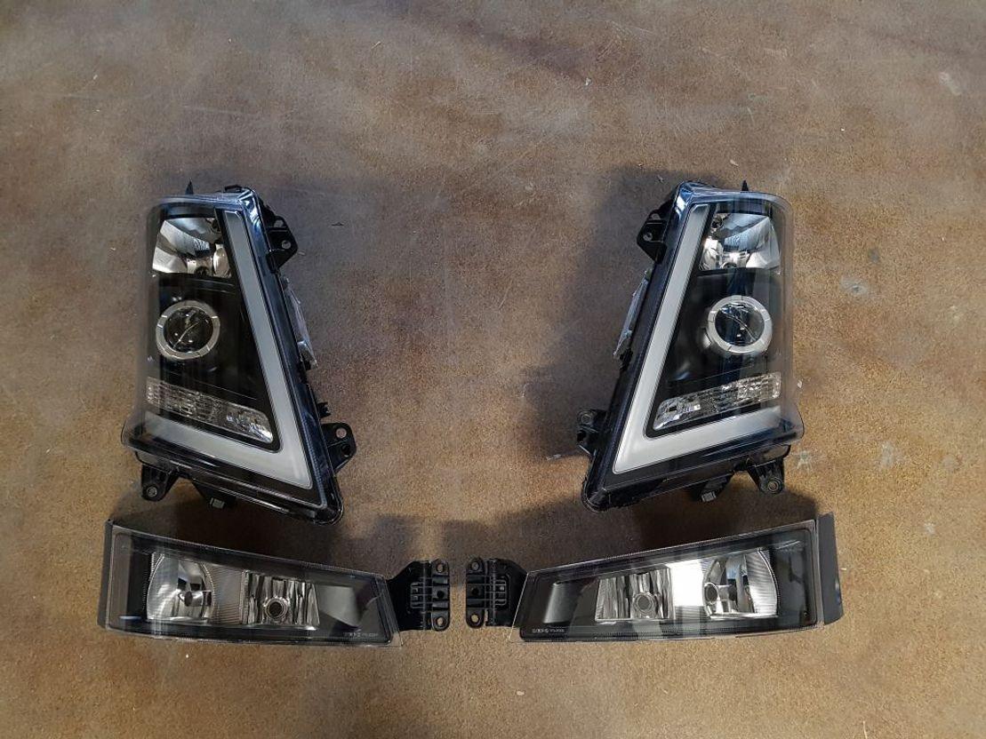 Koplamp vrachtwagen onderdeel Volvo SET FOR VOLVO FH4 (FH16 LOOK) DEPO XENON HEADLIGHTS + FOG LIGHTS LEFT AND RIGHT FOR SALE 21221145S