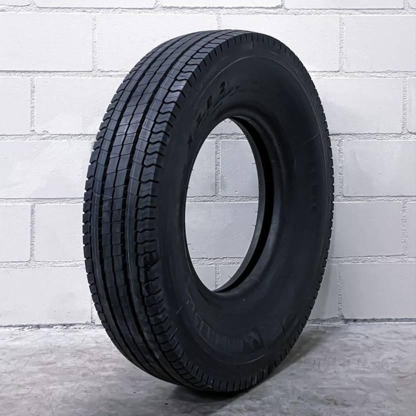 banden vrachtwagen onderdeel Michelin 750R16 XZE2
