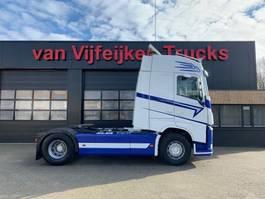 standaard trekker Volvo FH13-500 4X2 - GLOBETROTTER RETARDER EURO 6 2015