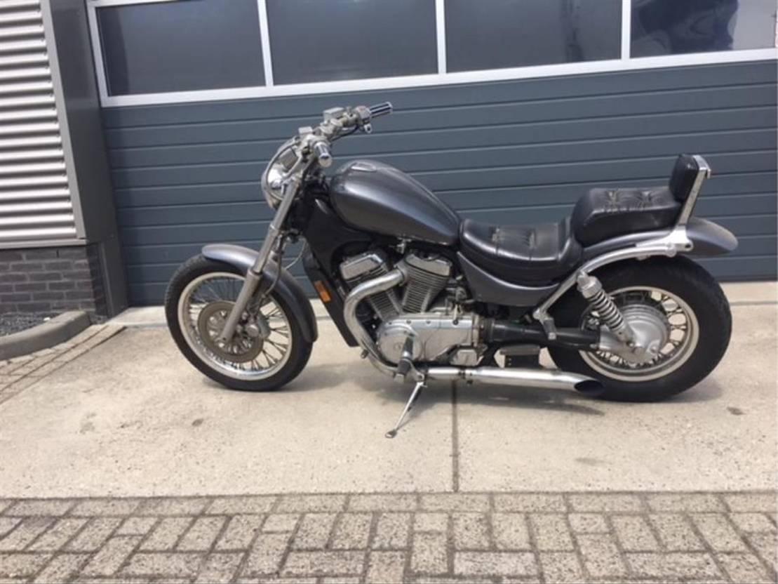 motorfiets Suzuki intruder VS700 1987