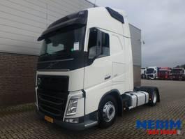 mega-volume trekker Volvo FH420 Euro 6 4x2 X-Low - GLOBE XL 2015