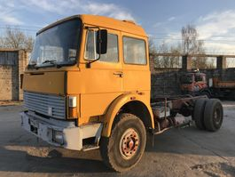 chassis cabine vrachtwagen Iveco 190-26 **6CYL-FRENCH TRUCK-BIG AXXLE** 1983