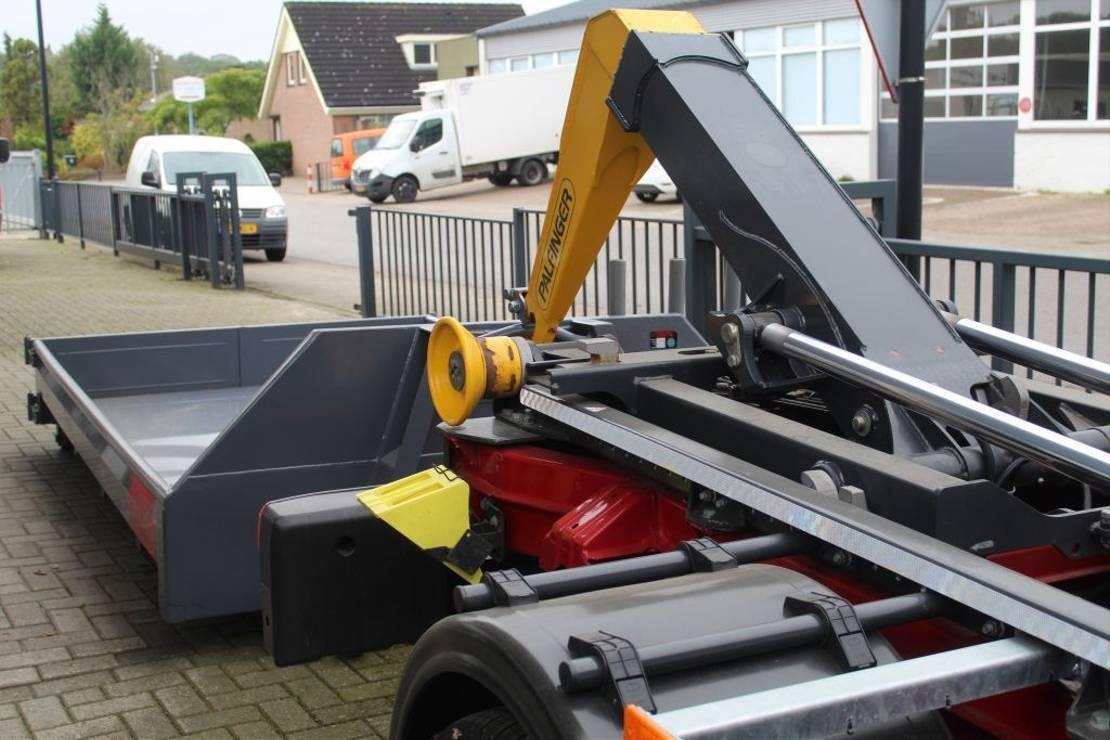 containersysteem vrachtwagen MAN TGE 5.180 Haakarm met container 2018