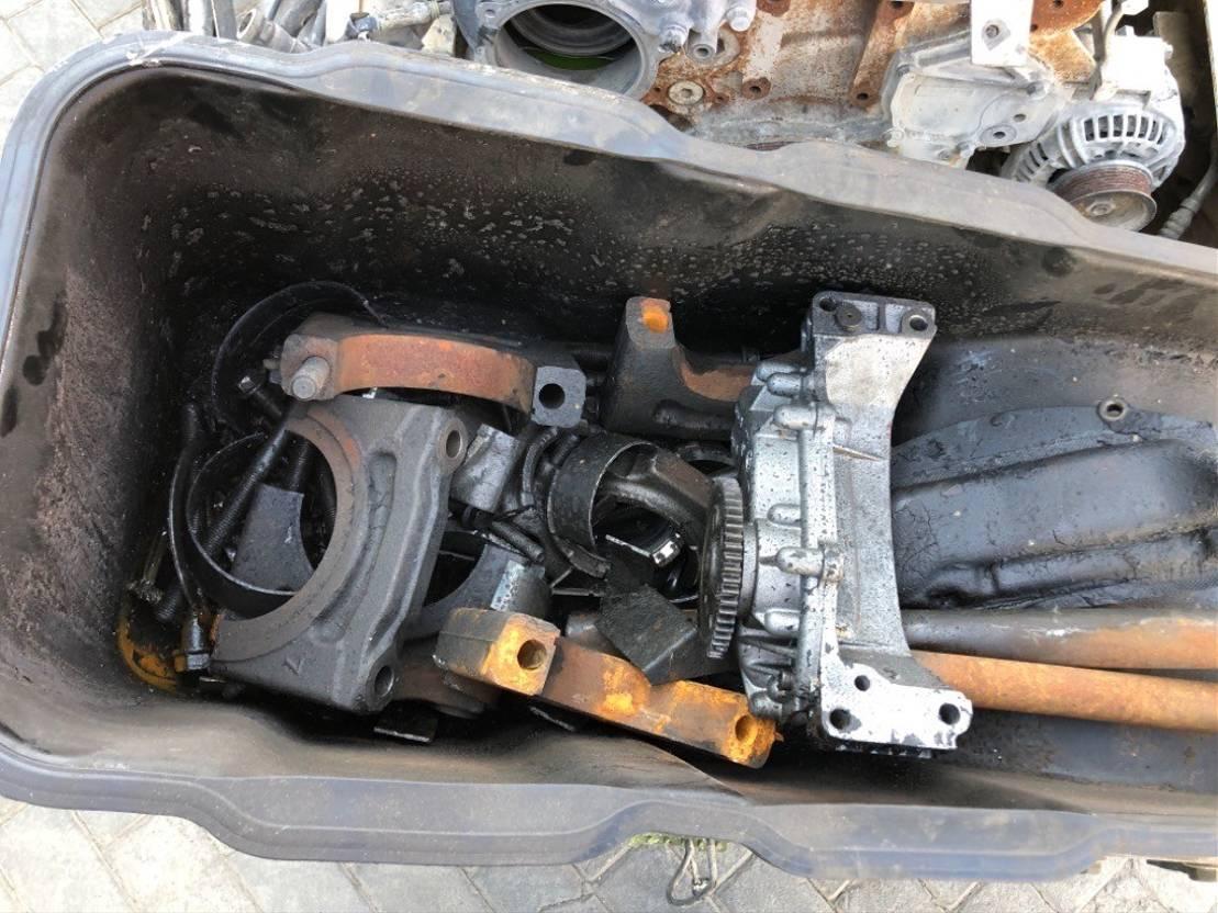Automatische versnellingsbak vrachtwagen onderdeel ZF ZF AStronic 12 AS 2330 TD + defecte Daf cf 85 460 motor 2007