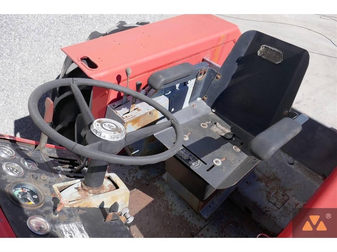 standaard tractor landbouw Massey Ferguson 1155 1974