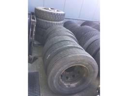 banden vrachtwagen onderdeel Bridgestone 305/70R22.5 (COVER)