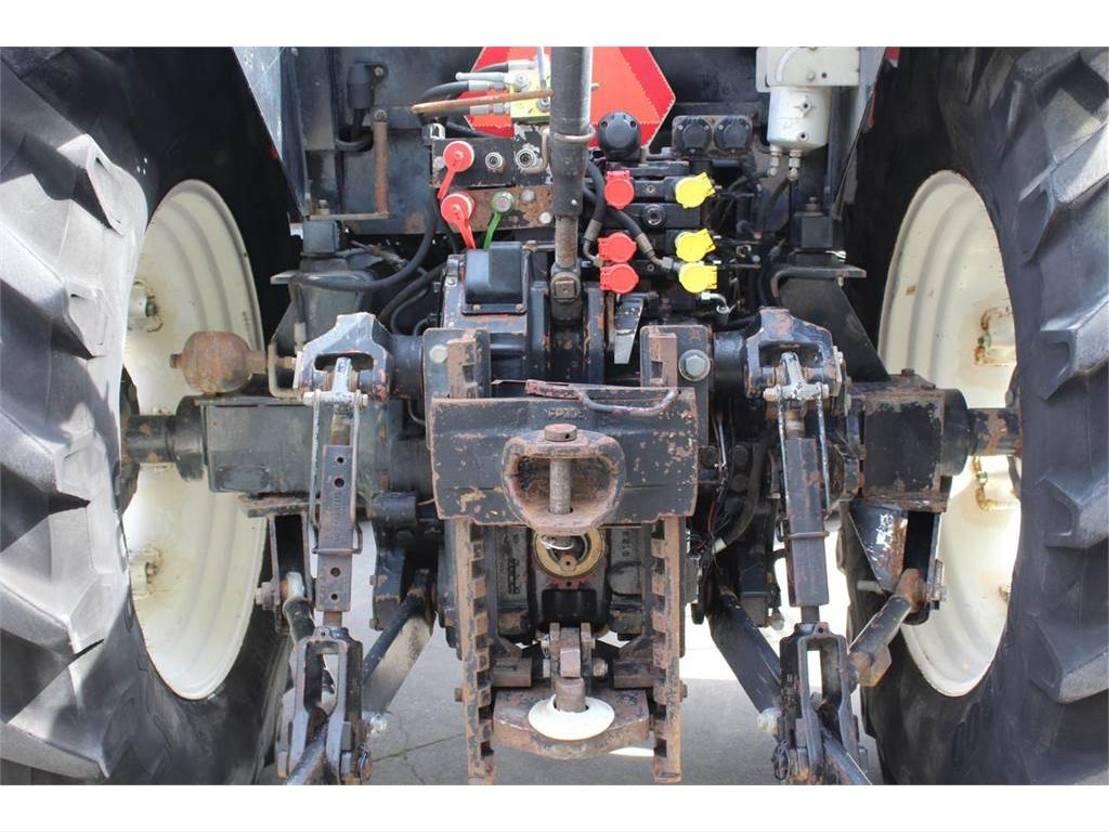 standaard tractor landbouw Case MX135 2002