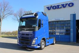 standaard trekker Volvo FH500 Globetrotter XL/Retarder/I-ParkCool/LaneAs 2015