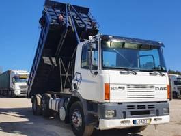 kipper vrachtwagen > 7.5 t DAF CF85 360 ATi Front hidráulic 2001