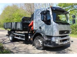 containersysteem vrachtwagen Volvo FL 250  CONTAINERSYSTEEM MET PALFINGER PK4501 KRAAN 2010
