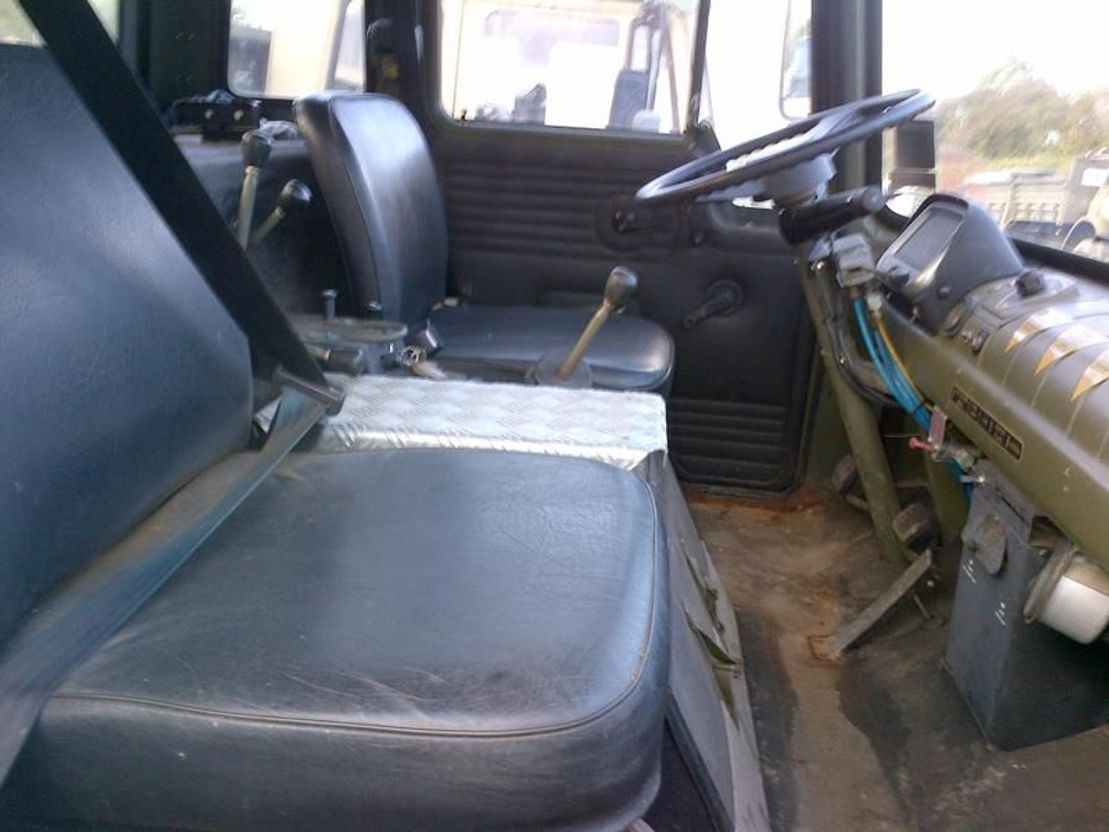 leger vrachtwagen Bedford Bedford MJ 4x4 Crane Hiab truck Ex army 1987