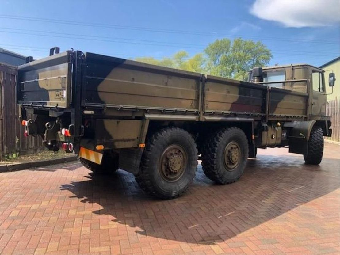 leger vrachtwagen Bedford Bedford TM 6x6 Cargo truck ex army 1984