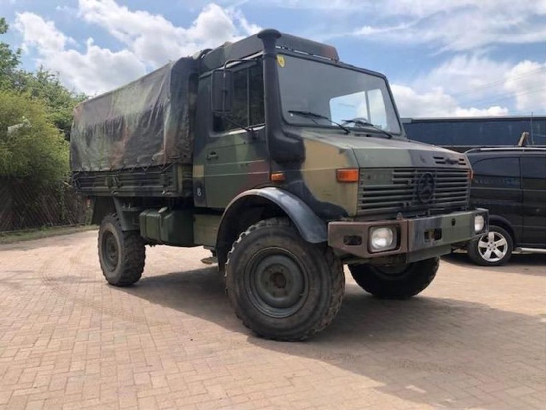 leger vrachtwagen Unimog Mercedes Benz Unimog 4x4 U1300L ex army Truck 1987