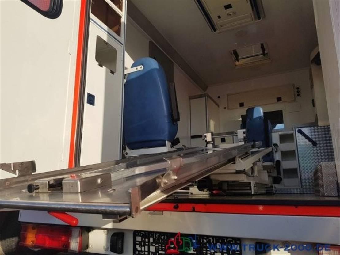 ambulance bedrijfswagen Mercedes Benz 313 CDI Sprinter KFB Rettungs- Krankenwagen 2005
