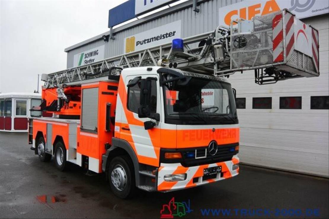 autohoogwerker vrachtwagen Mercedes-Benz 1628 Feuerwehr Leiter 30 m R.-Korb Steigleitung 2002