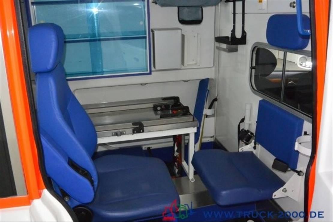 ambulance bedrijfswagen Mercedes Benz E 280 Krankentransport Trage Rollstuhl Rampe 10 2008