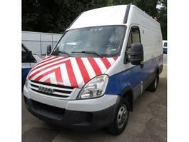 gesloten bestelwagen Iveco daily 2009