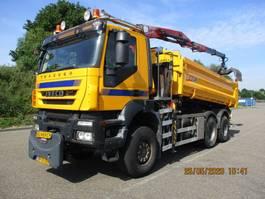kipper vrachtwagen > 7.5 t Iveco TRAKKER 380 T 36 6X6 EURO 5 KIEPER+KRAAN 2009