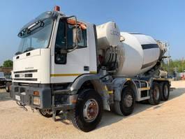 betonmixer vrachtwagen Iveco EuroTrakker 410E42H CIFA 8x4 2000
