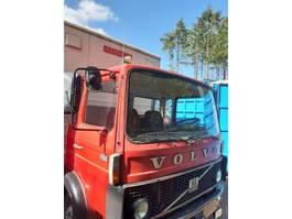 paardenvrachtwagen Volvo F 610 1983