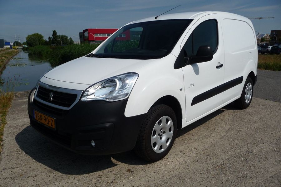 Peugeot - Partner FULL Electric L1 220V  lader 19
