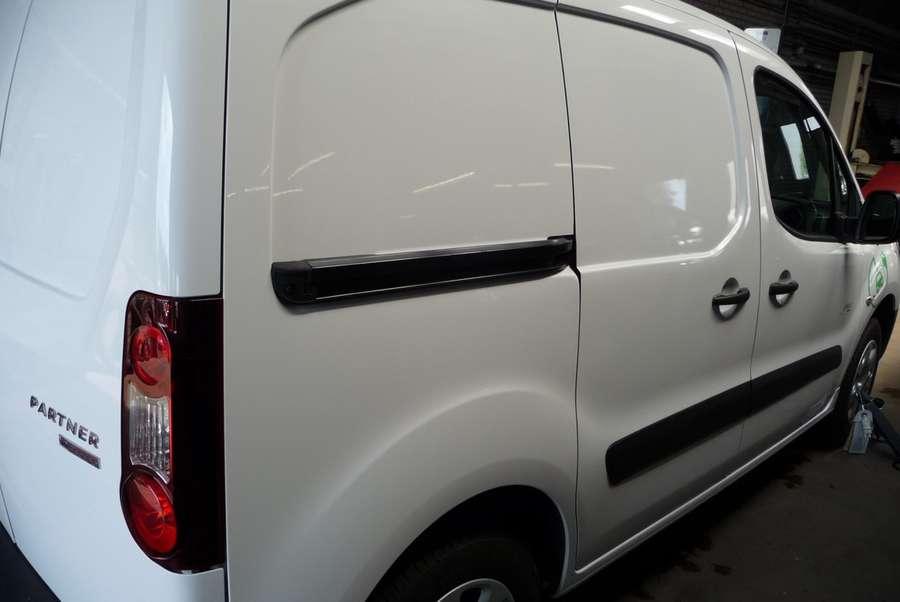 Peugeot - Partner FULL Electric L1 220V  lader 6