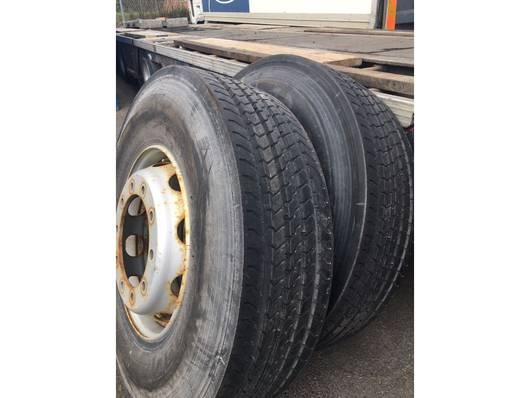 banden vrachtwagen onderdeel Bridgestone Front