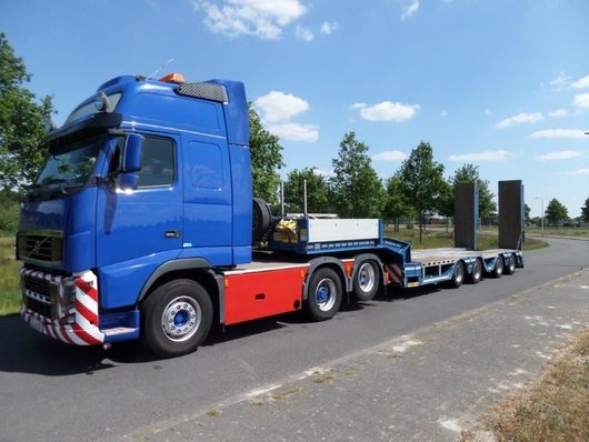 semi dieplader oplegger Faymonville F-S44-1AAA   Semi Low Loader with Hydraulic Ramps 2013