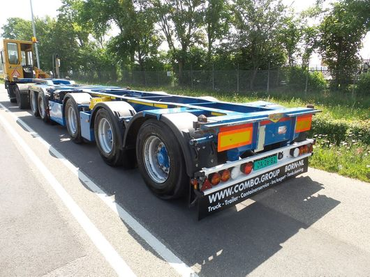 container chassis oplegger Broshuis 2-connect 61.000 kg 9-2011 top condition 2011