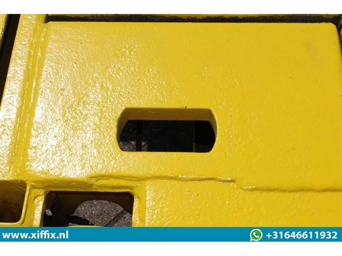 semi dieplader oplegger Faymonville 4-ass. Uitschuifbare semi dieplader // 4x gestuurd // 80 cm. hoog 2009