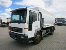 tankwagen vrachtwagen Volvo FL250 Tankwagen