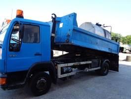 containersysteem vrachtwagen MAN 12.163 Hookarm and Bitumen Truck 2000
