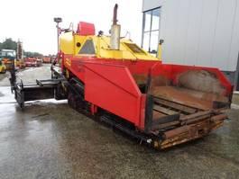 asfalteermachine rups Demag DF140 C 2000