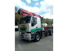 houttransporter vrachtwagen Iveco STRALIS 480hp WITH EPSILON CRANE 2005