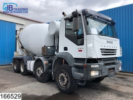 betonmixer vrachtwagen Iveco Trakker 380 8x4, Cifa mixer, 9 M3, Manual, Steel suspension, Airco 2006