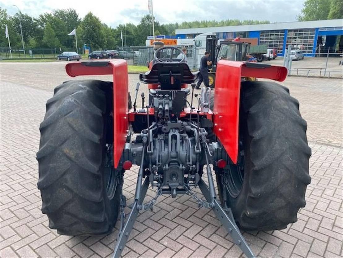 standaard tractor landbouw Massey Ferguson MF 365 4x4 WD 1985