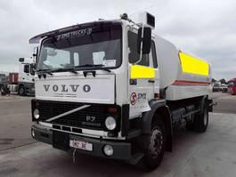 tankwagen vrachtwagen Volvo F 7 15000L 5 compartiments 1986