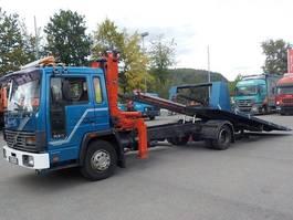 autotransporter vrachtwagen Volvo FL6 Abschleppwagen mit Kran neuer TÜV 1986