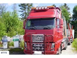 houttransporter vrachtwagen Volvo FH16 Timber truck w / Loglift timber crane 2009