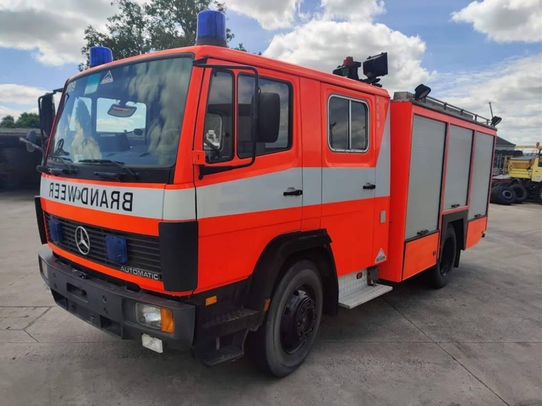 brandweerwagen vrachtwagen Mercedes-Benz 1124 F 4X2 Feuerwehr/ Firetruck / Pompiers - 2000L Tank - Ziegler Pump 1993