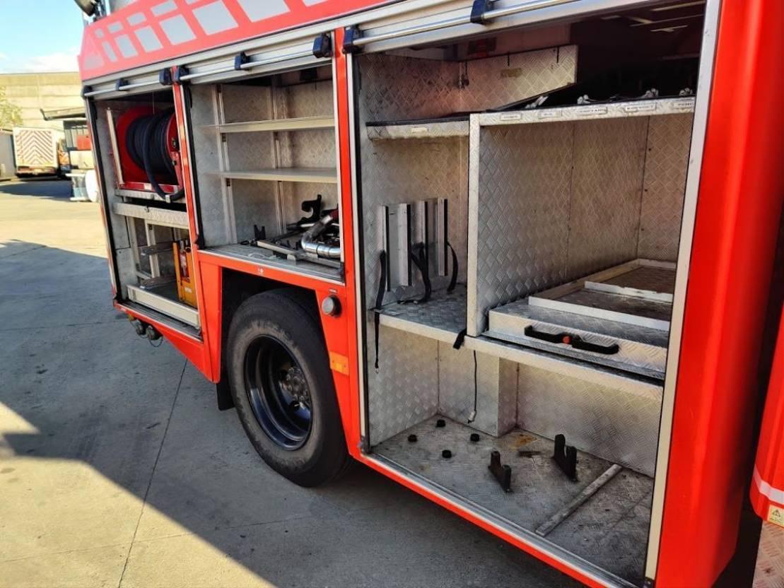 brandweerwagen vrachtwagen Mercedes-Benz 1325 F 4X2 Feuerwehr / Firetruck / Pompiers - Foam - 2000L Tank - Ziegler Pump 2000