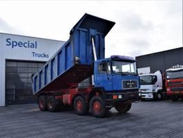 kipper vrachtwagen > 7.5 t MAN 48.372 8x8 with Heavy duty Dumper (30m3) 1993